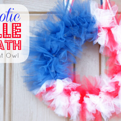 Patriotic Tulle Flag Wreath by @anightowlblog