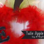 {Back to School} Tulle Teacher Apple Wreath