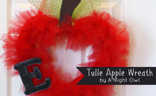 Back To School Tulle Teacher Apple Wreath