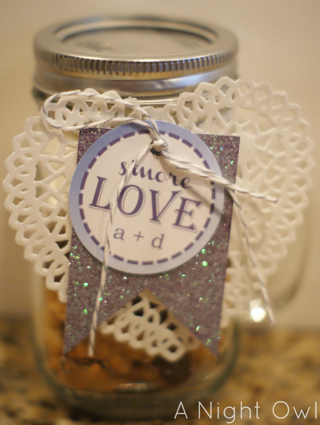 Great Gifts} S\'more Love in a Jar | A Night Owl Blog