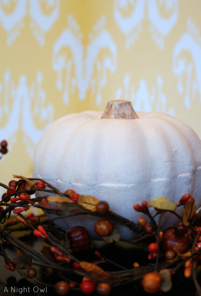 Annie Sloan Chalk Paint Pumpkins | #anniesloan #chalkpaint #ascp #pumpkins #fall #thanksgiving #decor