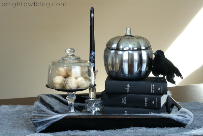 Twilight Halloween Display | #twilight #halloween #table #centerpice #decor
