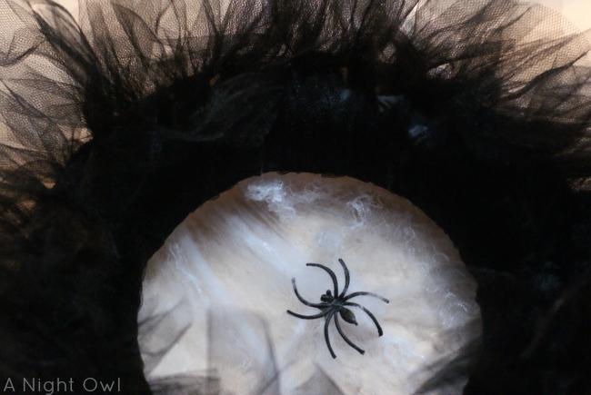 Halloween Tulle Spider Wreath | #halloween #tulle #spider #wreaths