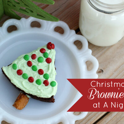 Christmas Tree Brownie Treats Feature @anightowlblog