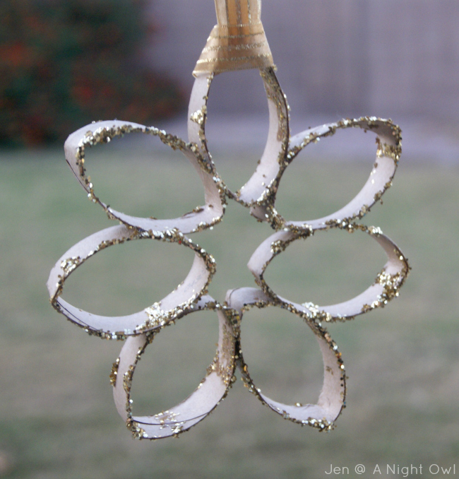 Trim Your Tree} DIY Snowflake Ornament - A Night Owl Blog