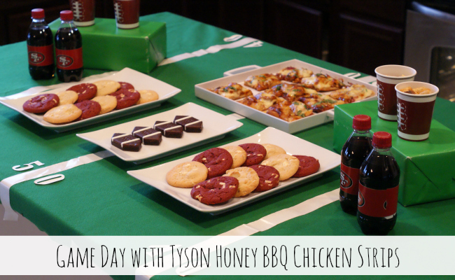 Game Day with Tyson Honey BBQ Chicken Pizza #MealsTogether