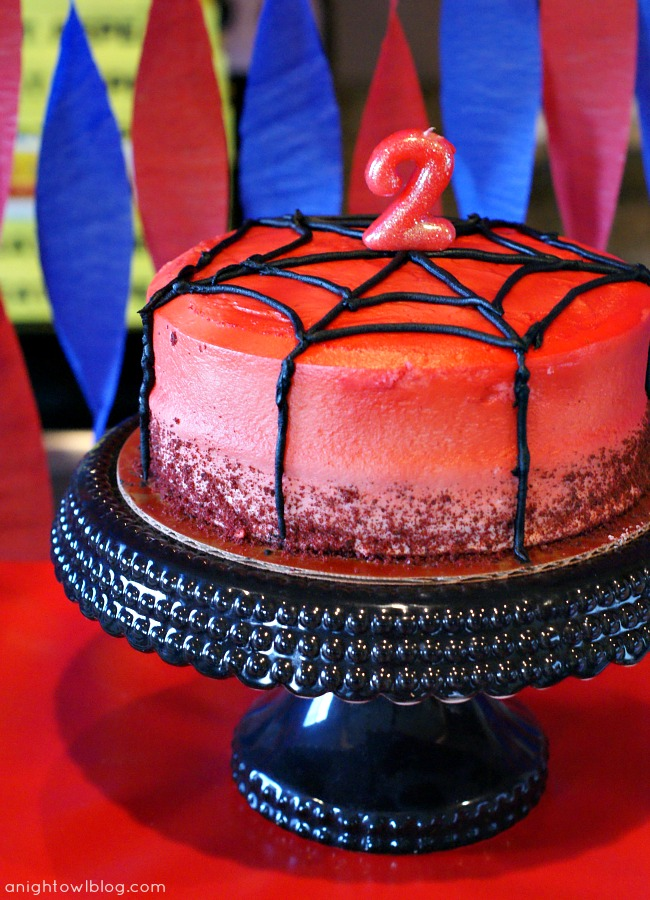 Spiderman Birthday Cake by { anightowlblog.com } #spiderman #birthday #party