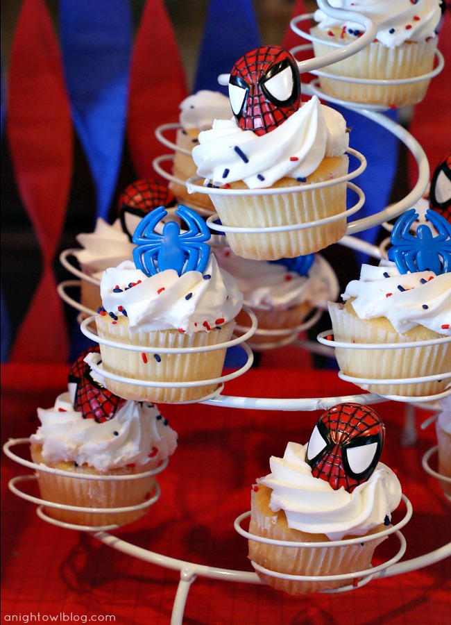 Spiderman Birthday Cupcakes by { anightowlblog.com } #spiderman #birthday #party