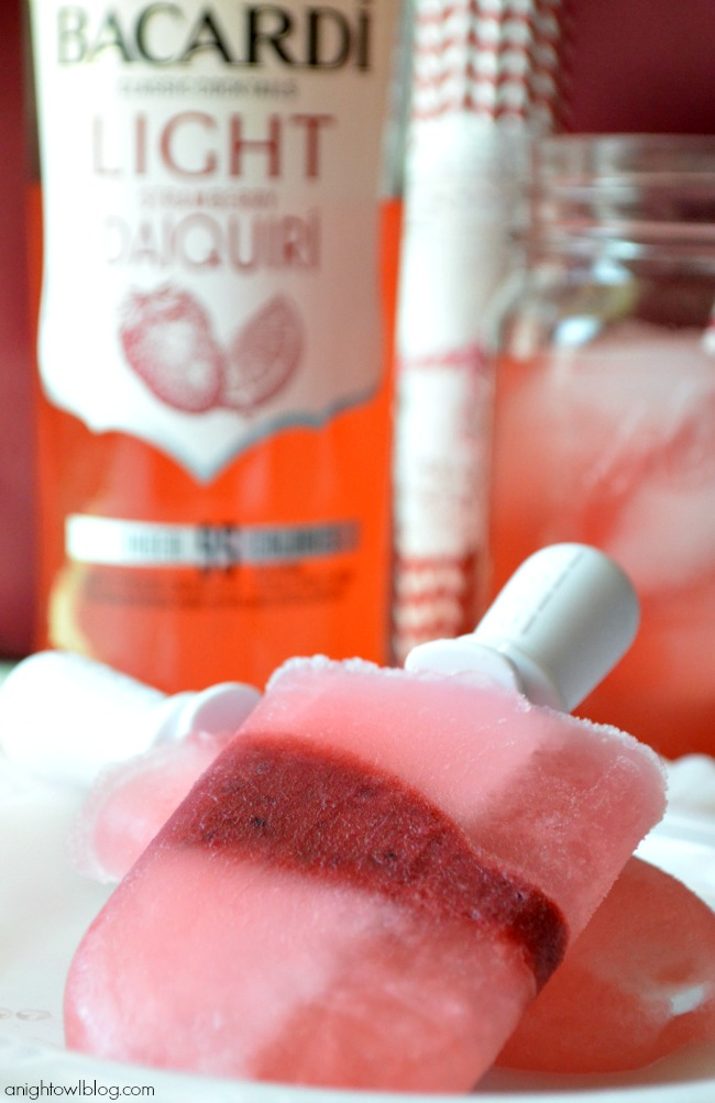 BACARDI Strawberry Daiquiri Popsicles #BacardiClassicCocktails