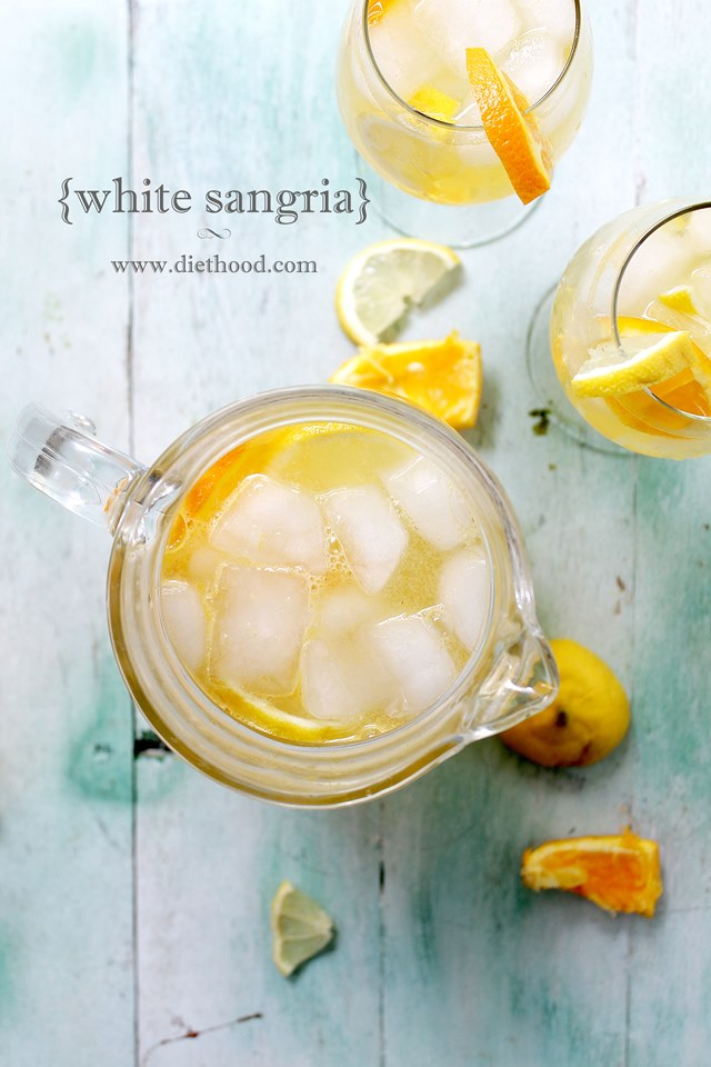 White Sangria | www.diethood.com | www.anightowlblog.com | #recipe #sangria #drinks