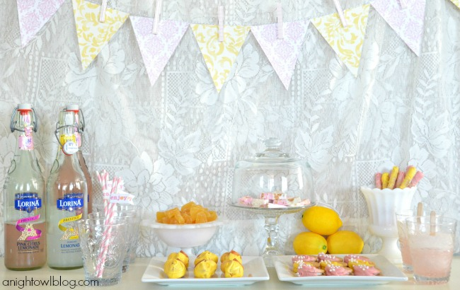 Lorina Lemonade Stand Dessert Table with World Market | #lorina #lemonade #stand #dessert #party #worldmarket #SummerinParis