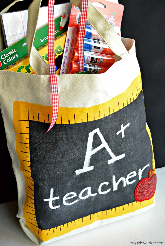 Back to School Teacher's Chalkboard Tote | #michaelsbts #backtoschool #teacher #gift #chalkboard