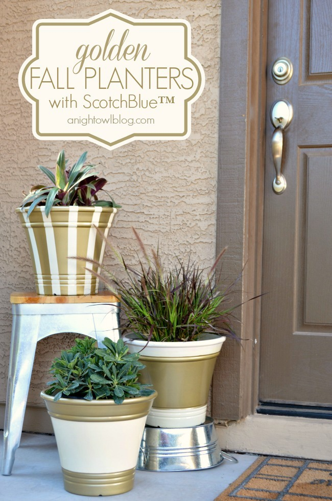 Golden Fall Planters - update plain planters with ScotchBlue Painter's Tape and Metallic Spray Paint from The Home Depot | #garden #outdoors #scotchblue #homedepot