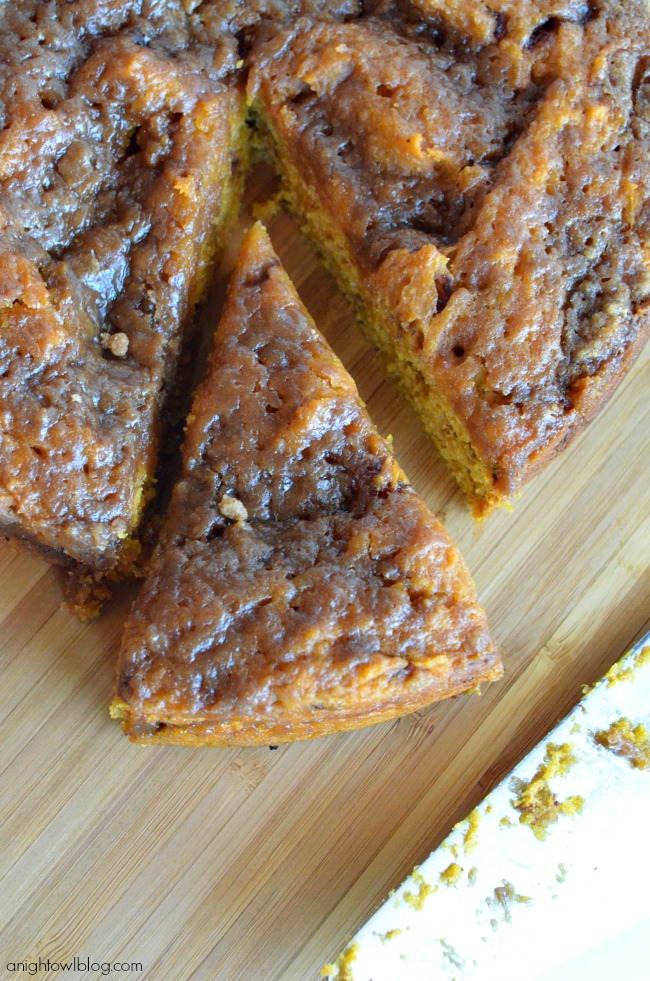 Easy Crock Pot Pumpkin Coffee Cake at anightowlblog.com | #crockpot #pumpkin #recipes