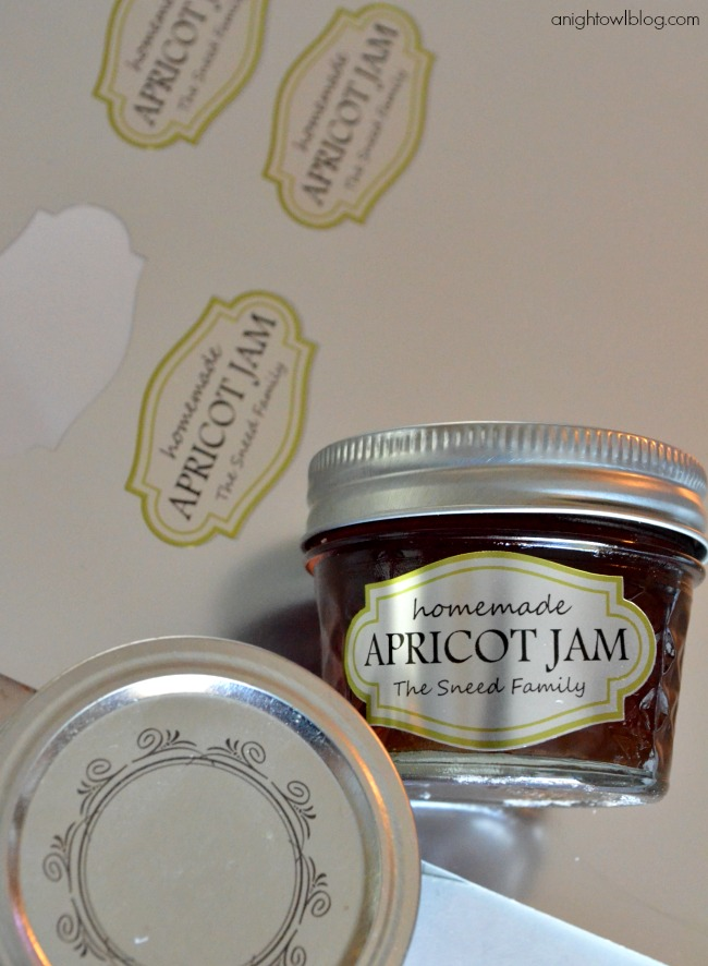 Create Custom Mason Jar Labels made with Silhouette Printable Silver Foil