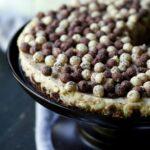 Cookies and Cream Cinnamon Cheesecake