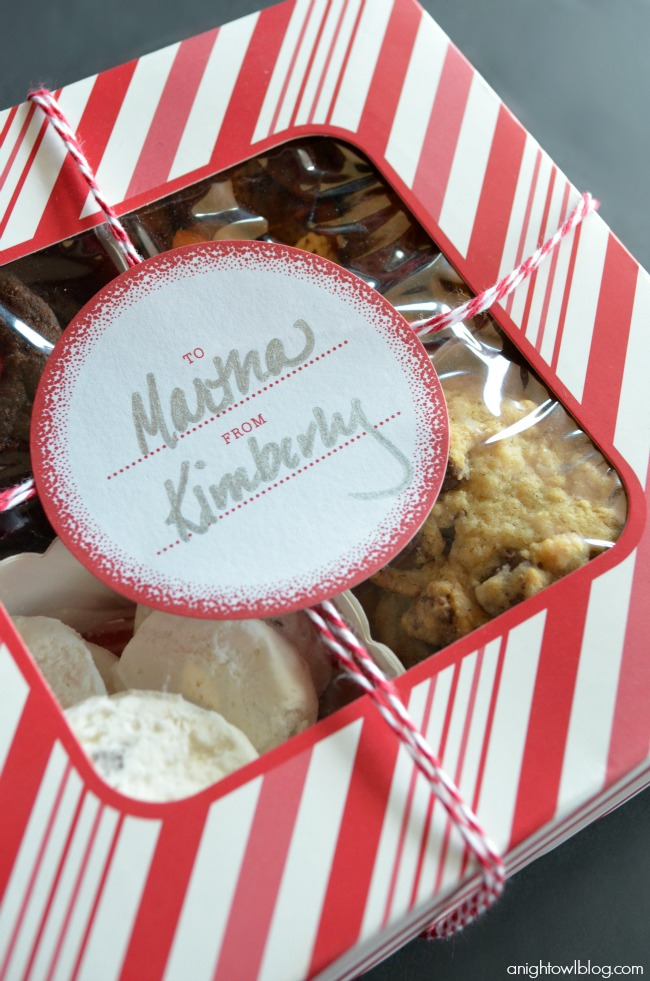 Fill Martha Stewart Crafts Compartment Treat Boxes this year with your favorite holiday treats! #12monthsofmartha #marthastewartcrafts