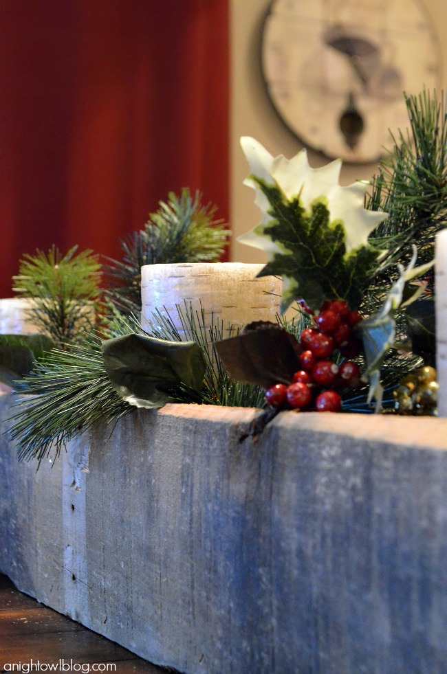 Create a beautiful centerpiece box with pallet wood and m