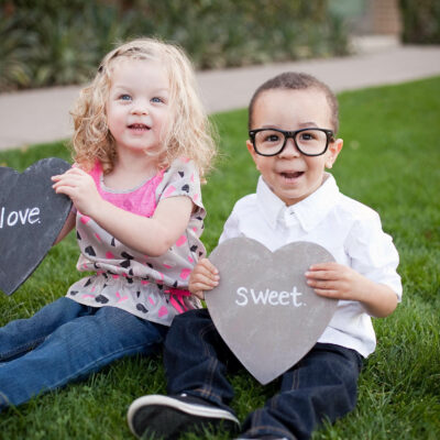 Tons of great ideas for photo props and locations for a Valentine's Day Photo Shoot!