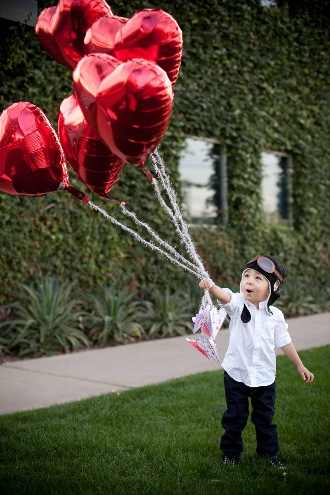 Make your Valentines soar this year with Flying Paper Airplane Valentines! | #valentines #marthastewartcrafts #12monthsofmartha