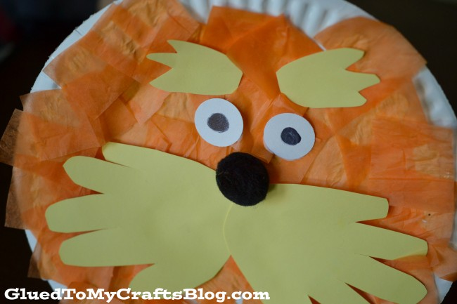 Celebrate Dr. Seuss' birthday in style with this adorable Lorax Paper Plate Craft!