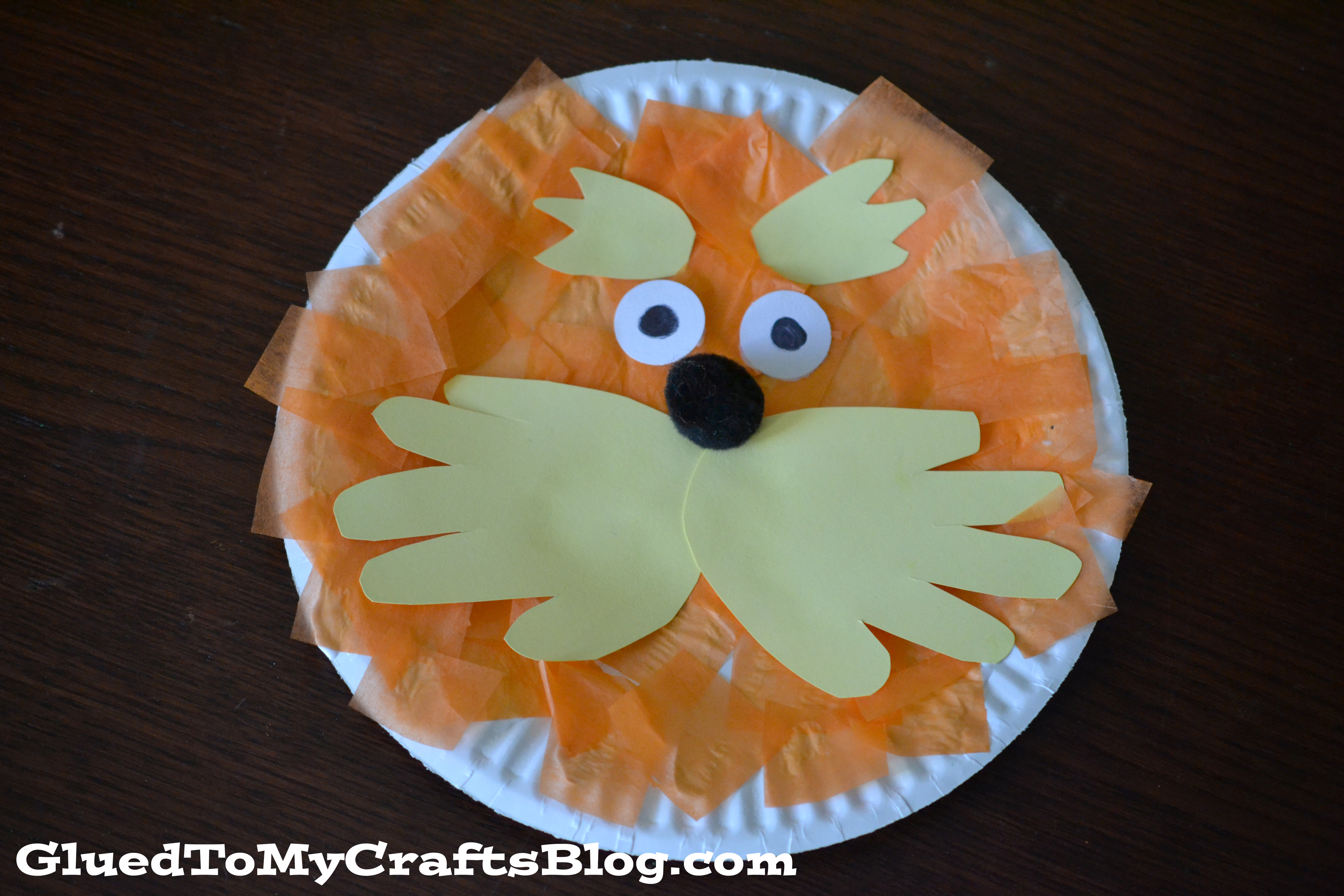 Celebrate Dr. Seuss\u0027 birthday in style with this adorable Lorax Paper Plate Craft! & Lorax Paper Plate Craft | A Night Owl Blog