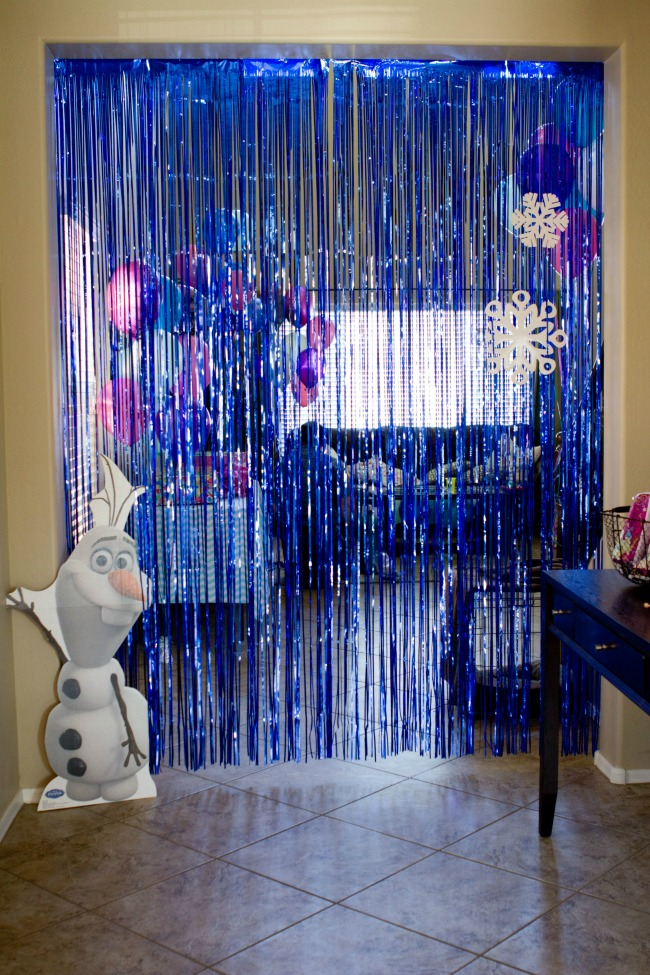 Disney frozen birthday party ideas a night owl blog for Background decoration for birthday party