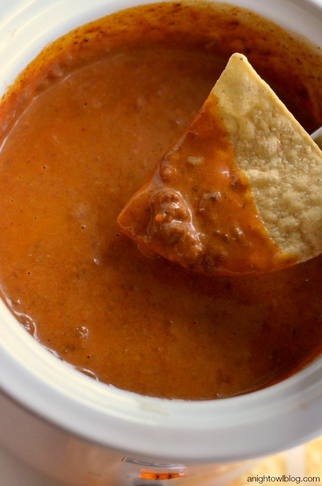 Crock Pot Chili Queso Dip | anightowlblog.com