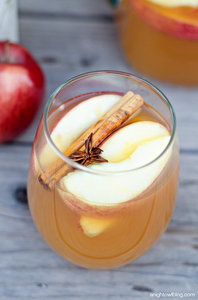 Mulled Apple Cider Sangria - all the warm flavors of Fall in one ...