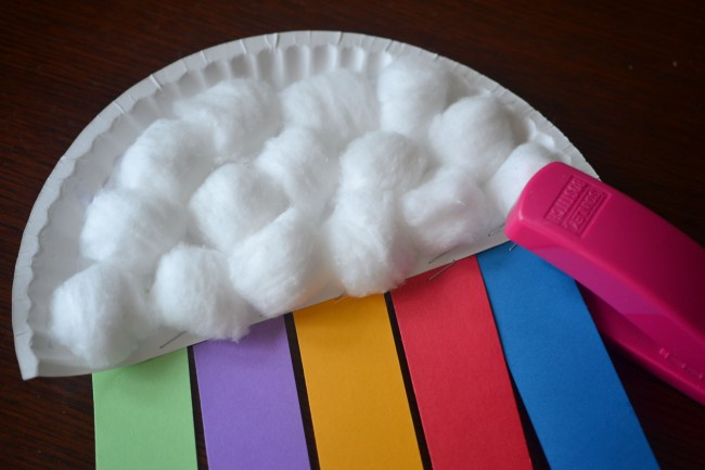 This Paper Plate Rainbow Kids Craft is the perfect craft to do with your kids for St Patrick's or to welcome spring into your home!