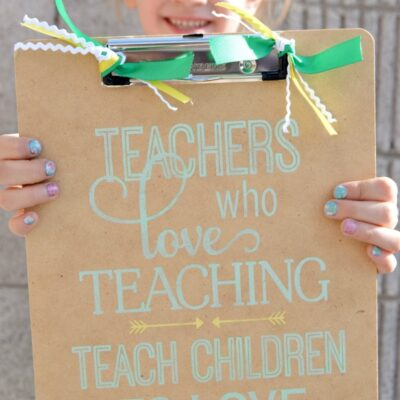 Painted Clipboard Teacher Gift | anightowlblog.com