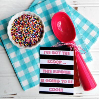 Treat your teachers to a scoop or two of ice cream with this cute Ice Cream Scoop Teacher Gift! Just grab a few gift cards, print the tags and tie them onto a colorful ice cream scoops. Great gift idea for teachers, volunteers and helpers!