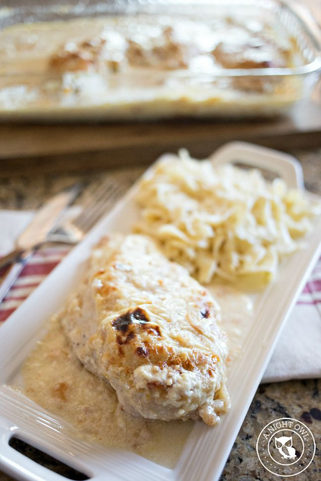 Easy Chicken Parmesan - an easy and delicious weeknight meal your family will love!
