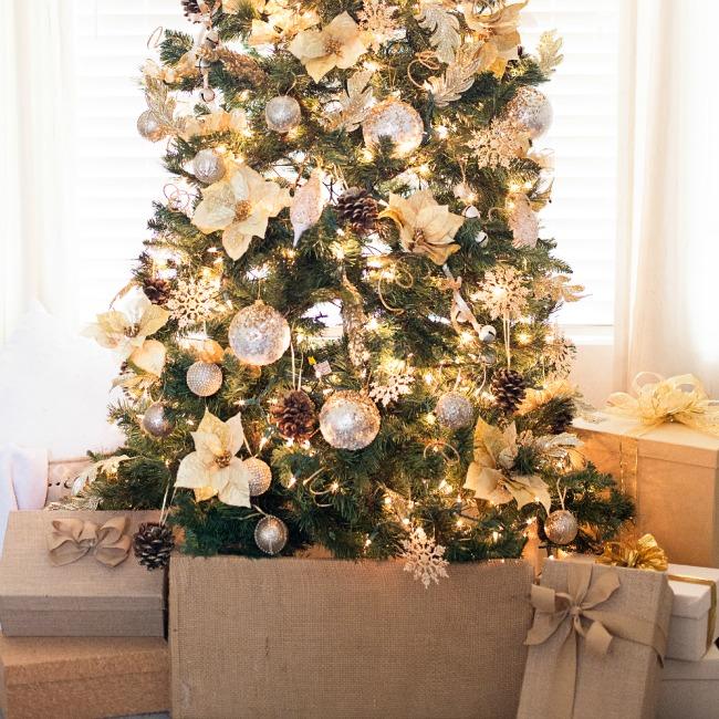 Gold Christmas Tree: Gorgeous Gold Christmas Tree
