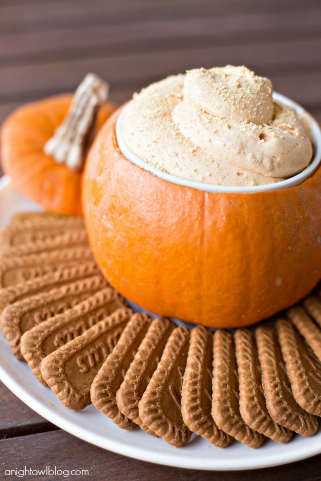 Pumpkin Pie Cheesecake Dip | Halloween Appetizers That Are Dreadfully Inviting | Homemade Recipes