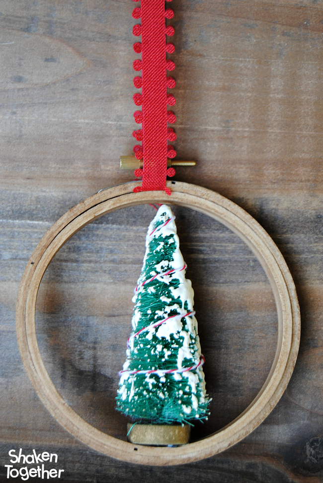 Embroidery hoop christmas ornaments glue ribbon a night
