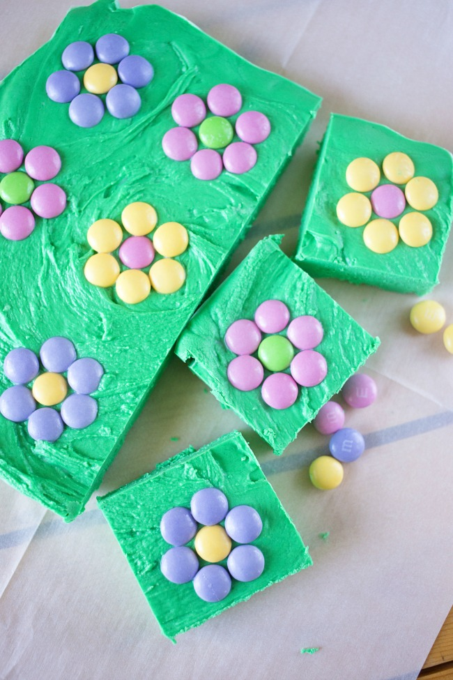 This Easy Flower Patch Fudge is just three ingredients and only takes minutes to whip up! Such a fun spring treat!