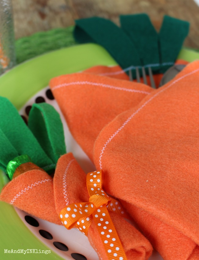Create easy felt carrot utensil and treat holders for a fun Kids Easter Table!