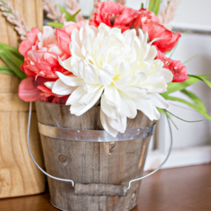Create a beautiful DIY Boho Floral Arrangement in just a few easy steps!