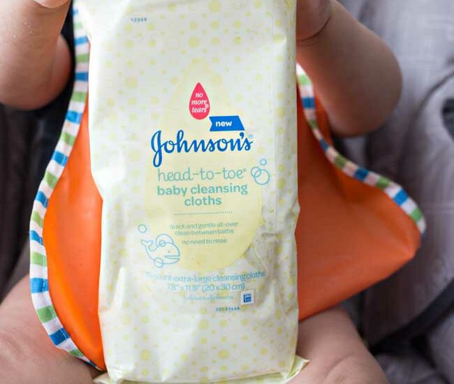 Bath time's a breeze with new Johnson's HEAD-TO-TOE Cleansing Cloths!