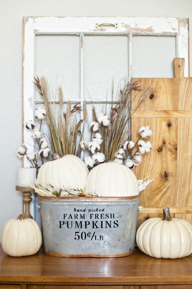 Make your own DIY Farmhouse Pumpkin Bucket in just a few easy steps!