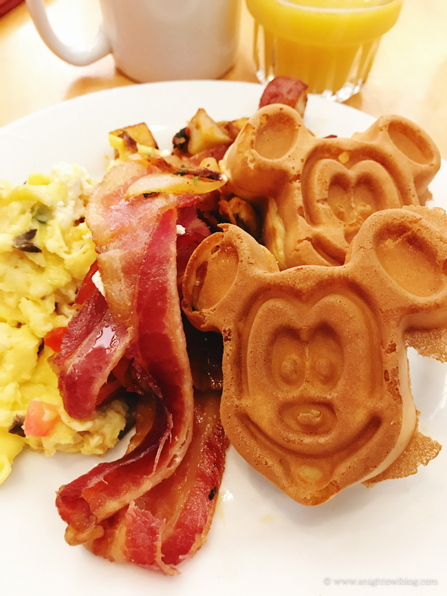 Cape May Cafe Character Dining Breakfast, Disney's Beach Club Resort
