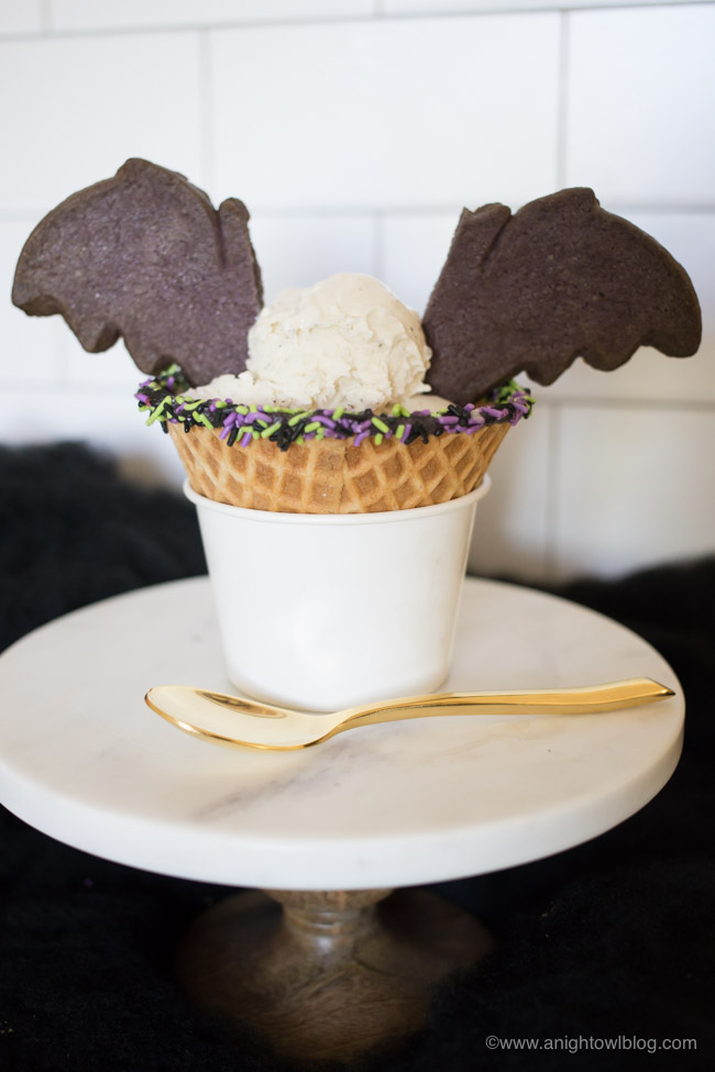 Disneyland Bat Wing Raspberry Sundae-4