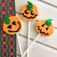 Easy Pumpkin Marshmallow Pops