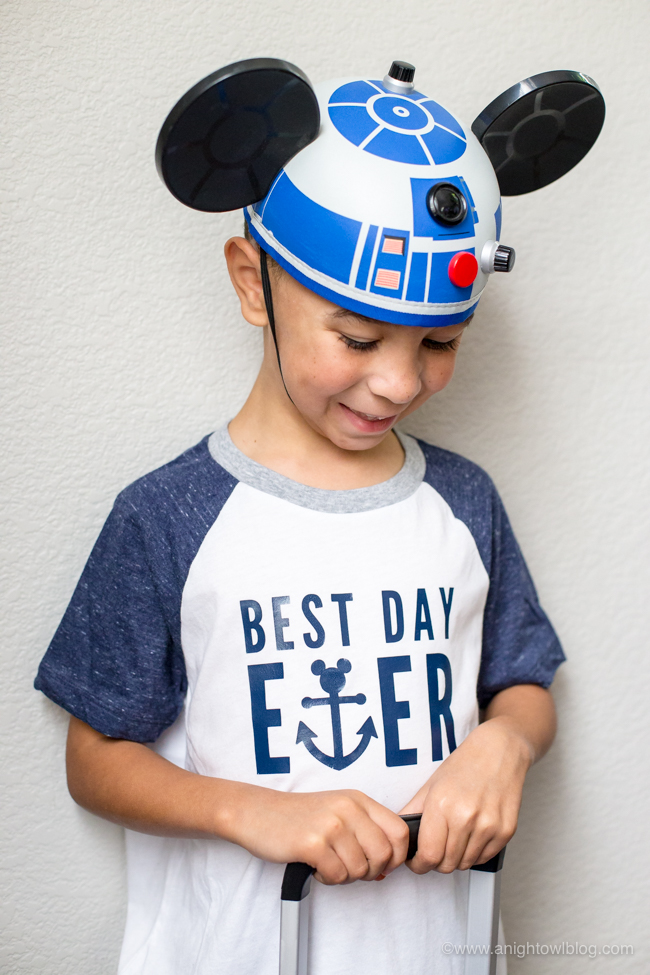 Perfect for embarkation day on a Disney Cruise, whip up a DIY Disney Cruise Best Day Ever T-Shirt with an adorable Mickey anchor design!