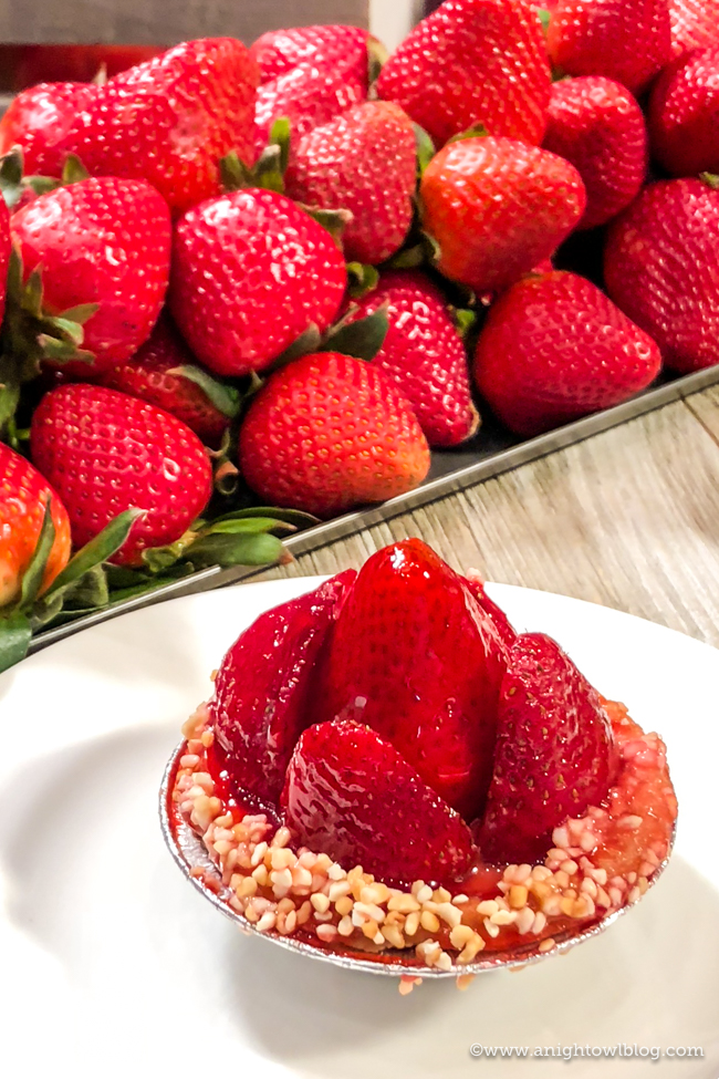 Disney California Adventure Food and Wine Festival Watsonville Strawberry Pie from Strawberry Patch #DisneyCaliforniaFoodandWine #Disneyland