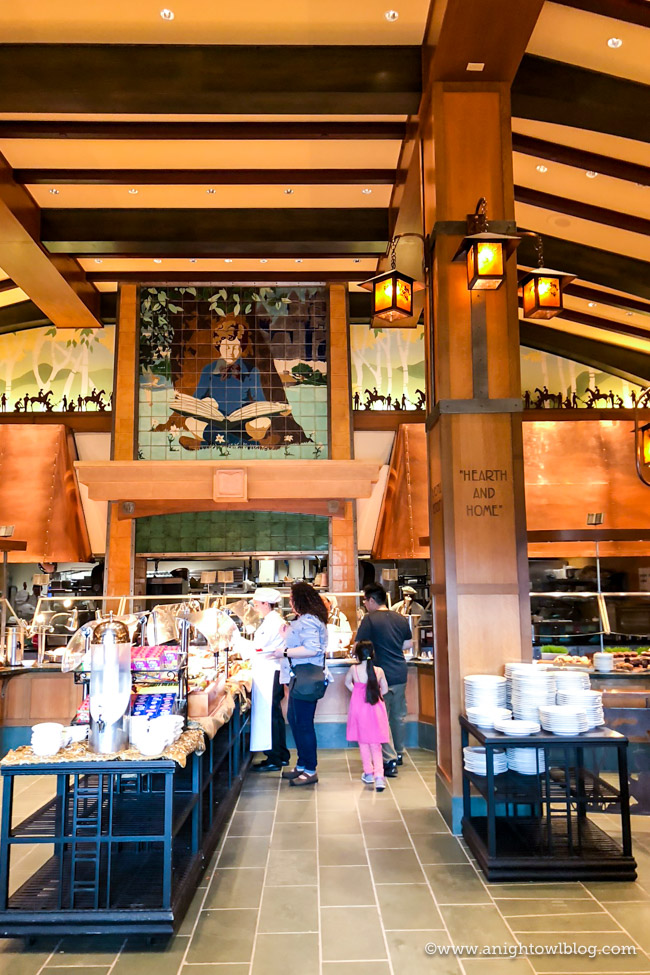 From Extra Magic Hours to a Private Entrance into Disney's California Adventure Park, check out our top 10 Reasons to Stay at Disney's Grand Californian Hotel & Spa. #Disneyland #DisneylandHotel