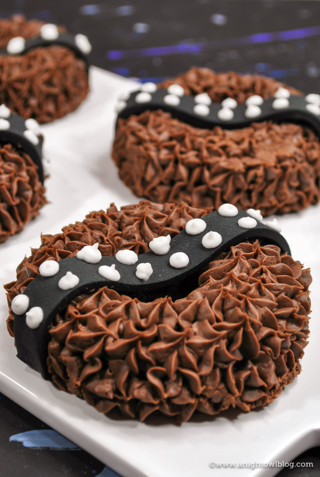 Make Your Own Chewbacca Donuts | Celebrate the release of SOLO in theaters everywhere with these fun, homemade Chewbacca Donuts! #Disney #HanSolo #StarWars