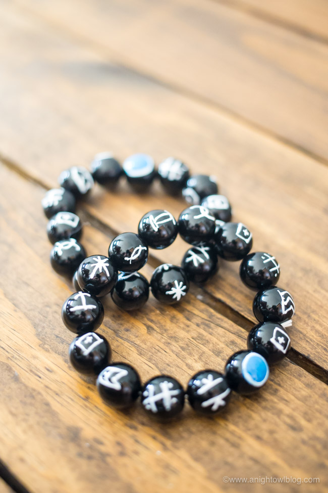 Have a Black Panther fan at home? Create your own DIY Black Panther Kimoyo Beads, allowing access toBlack Panther's secret communication field.#BlackPanther #KimoyoBeads
