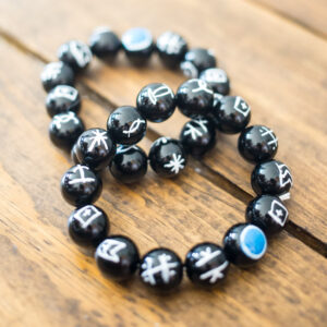 Have a Black Panther fan at home? Create your own DIY Black Panther Kimoyo Beads, allowing access to Black Panther's secret communication field. #BlackPanther #KimoyoBeads